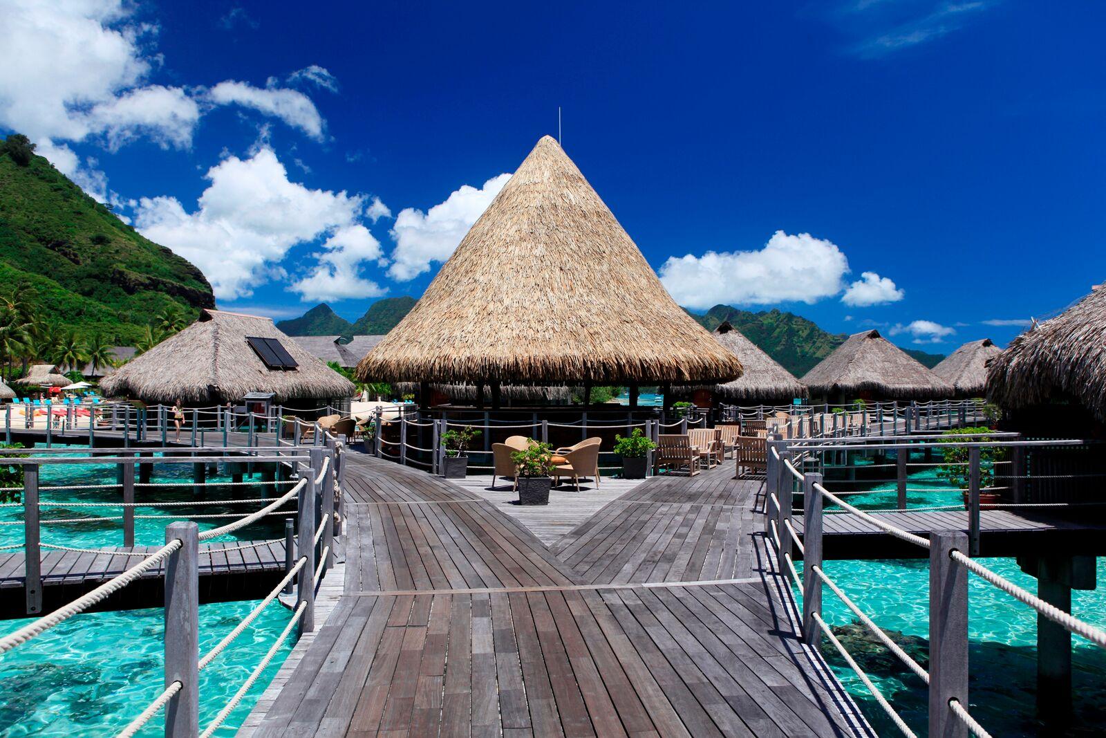 Tahiti Ultimate Vacation 7 Nights Moorea And Bora Bora