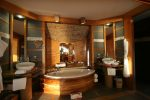 Le Taha'a - Overwater Bungalow Bathroom